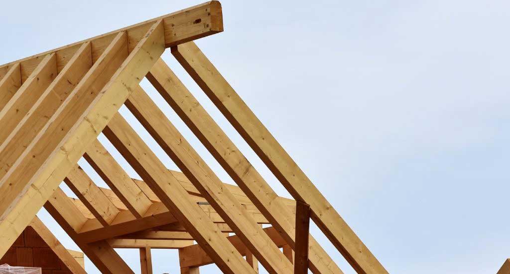 montaj dulgherie (capriori si popi) pentru acoperisul casei