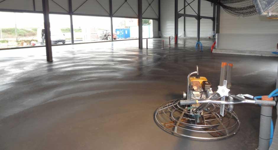 pardoseala din beton sclivisit pentru hala
