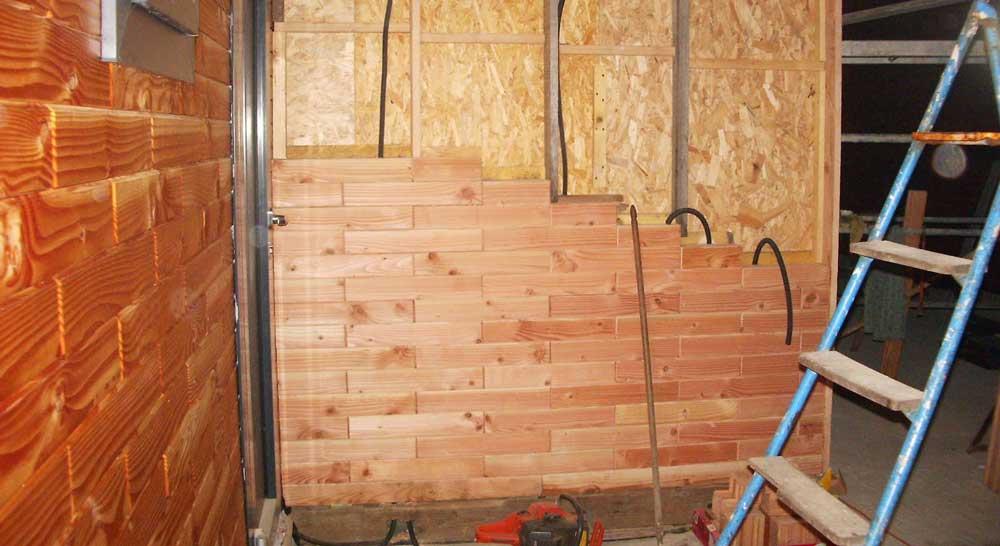 perete fals din lemn