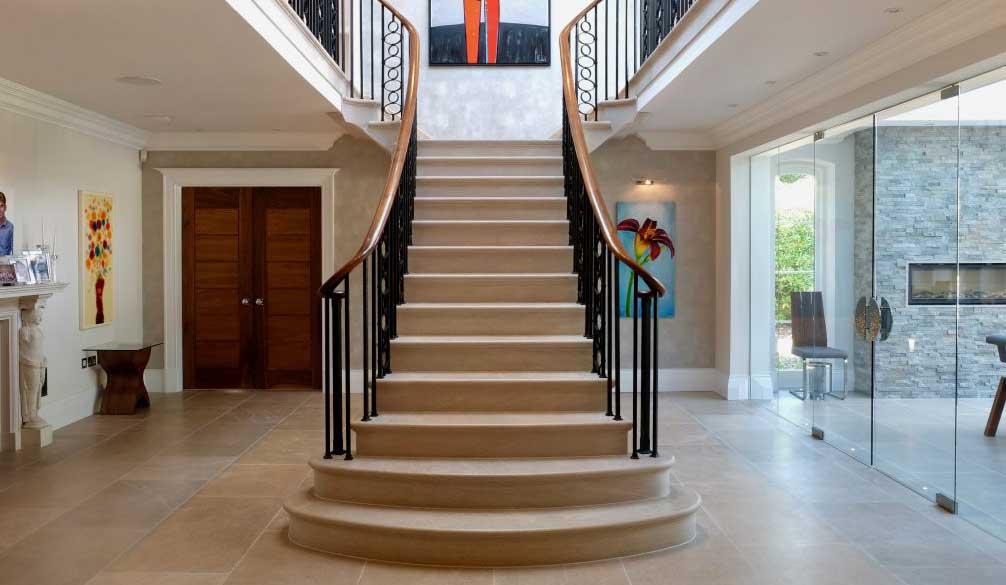 scari interioare cu structura de beton