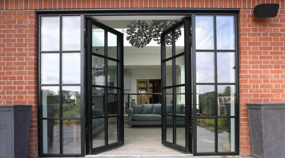 usa din aluminiu vitrata pentru exterior