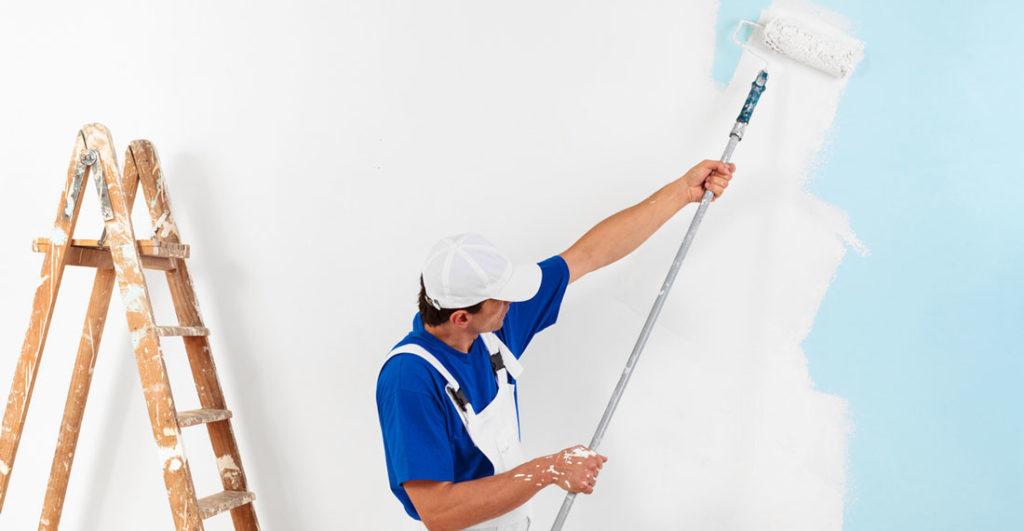 aplicare vopsea pe pereti cu trafaletul