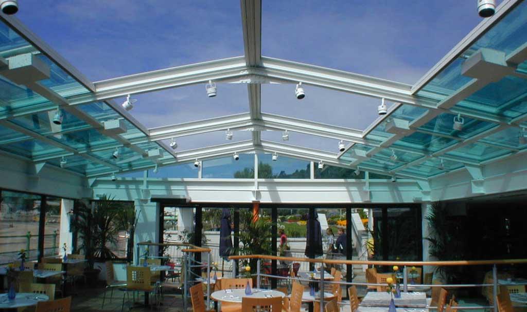 acoperis retractabil din sticla pentru terasa si restaurant