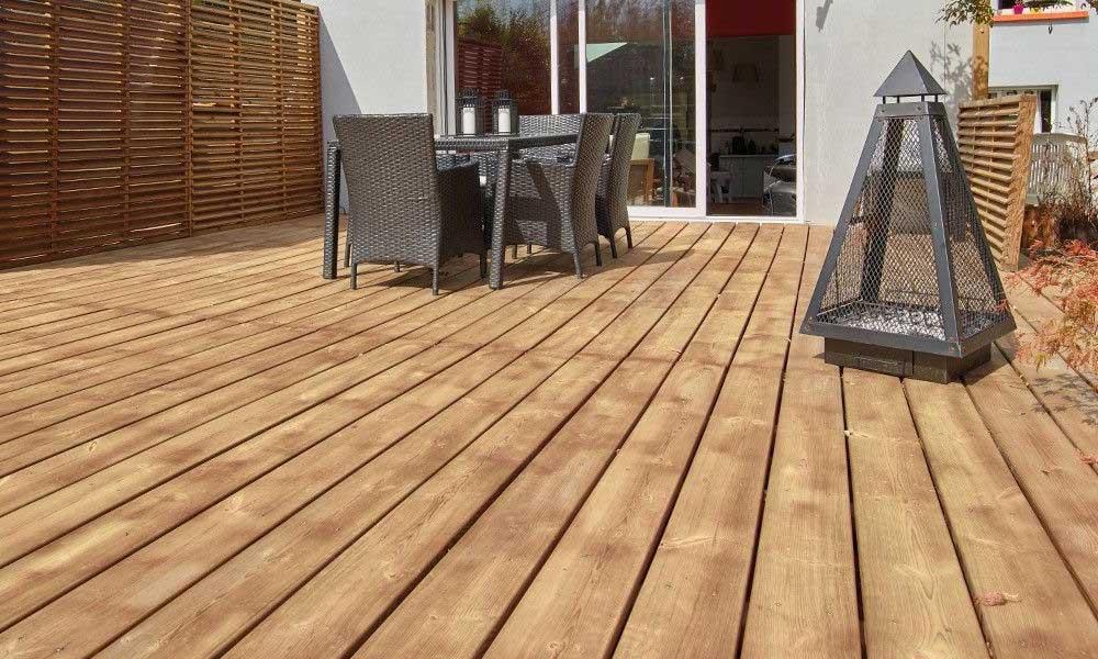 pardoseala exterioara din lemn pentru terasa