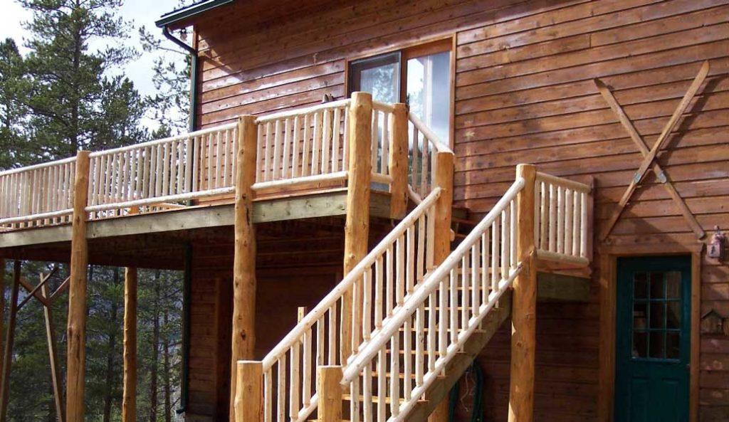 scara exterioara din lemn pentru cabana