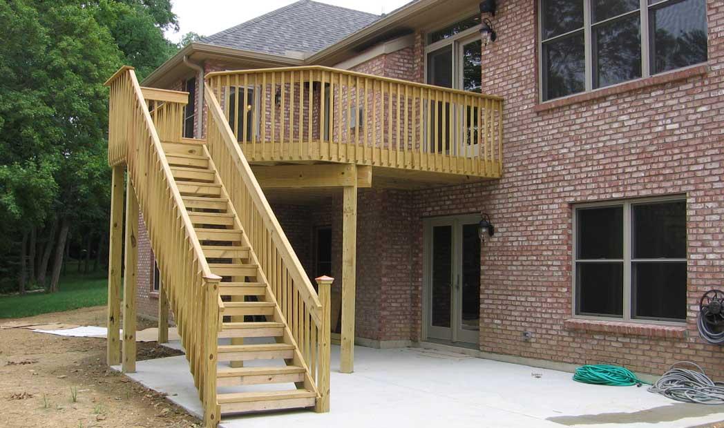 scari exterioare din lemn