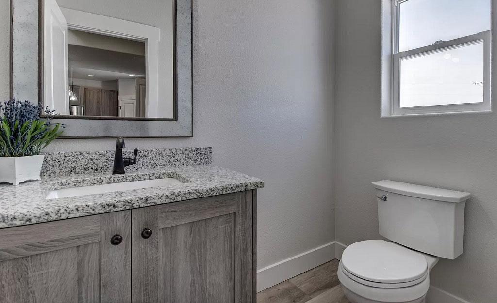 amenajare baie de serviciu moderna