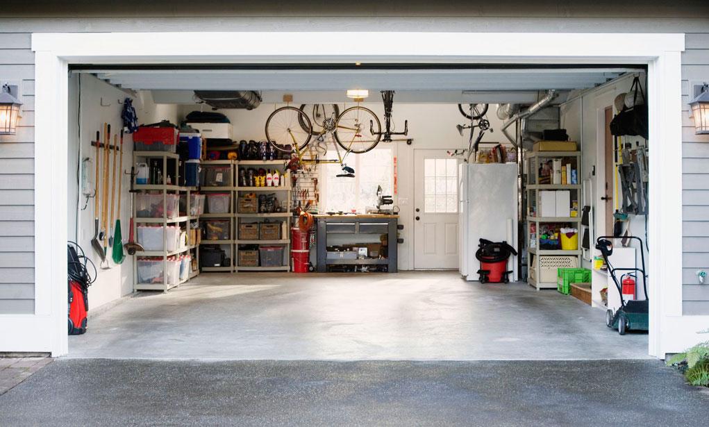 amenajarea garajului ca zona de depozitare