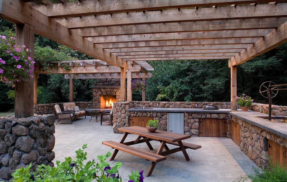 design pergola lemn pentru gradina si gratar