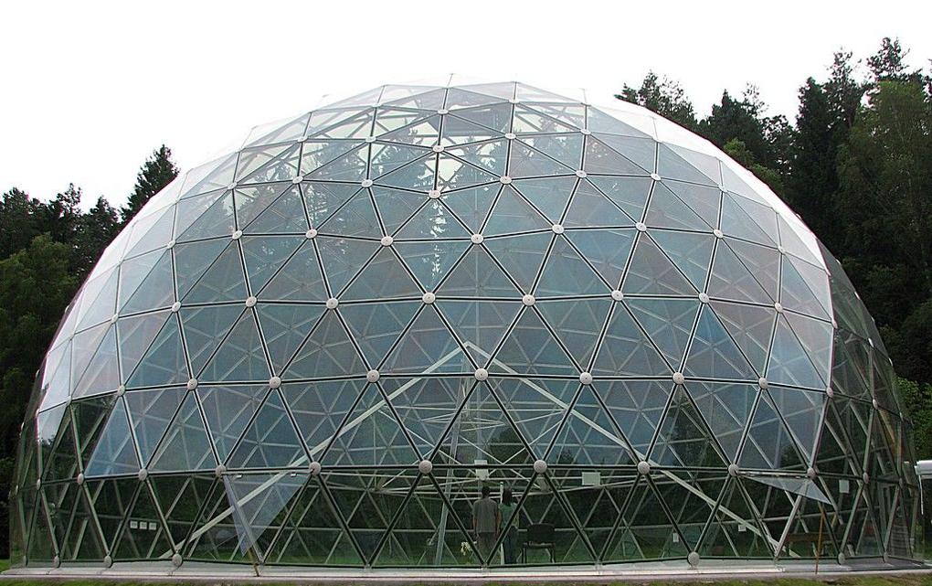 acoperis semisferic din sticla