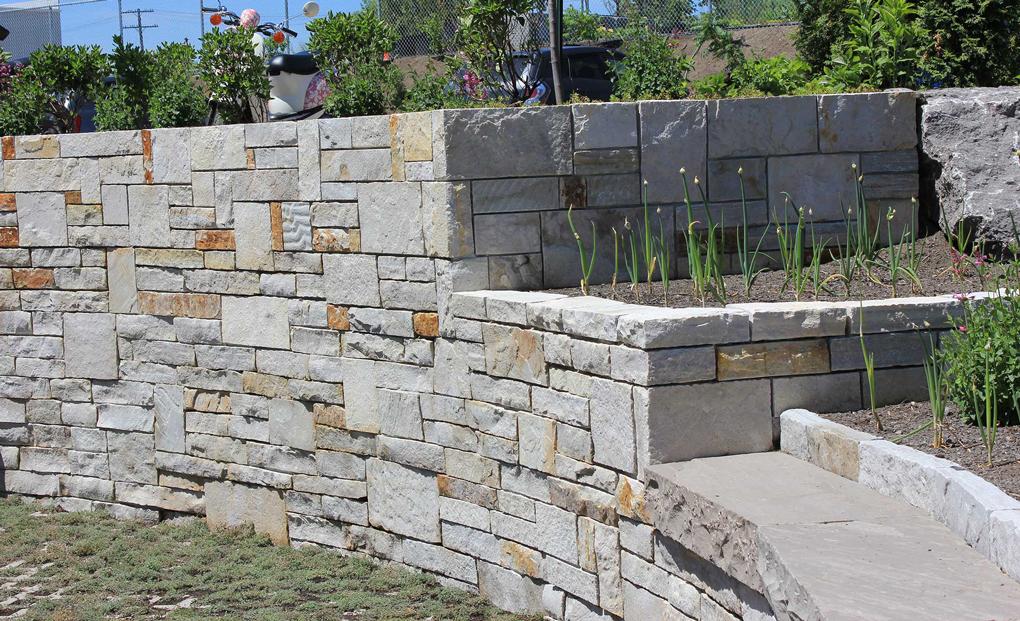 constructie zid din piatra