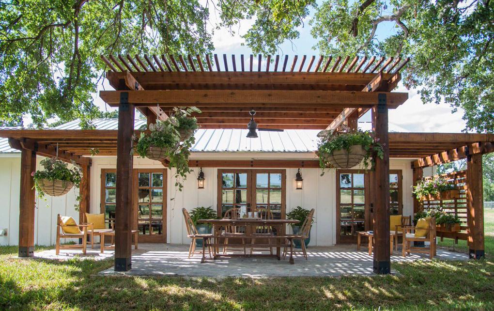 pergola casa din lemn