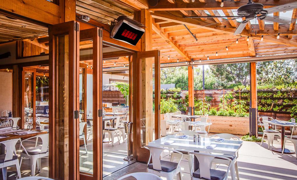 pergola din lemn pentru restaurant