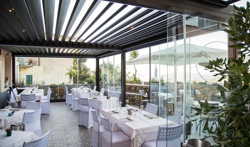 pergole bioclimatice pentru restaurant