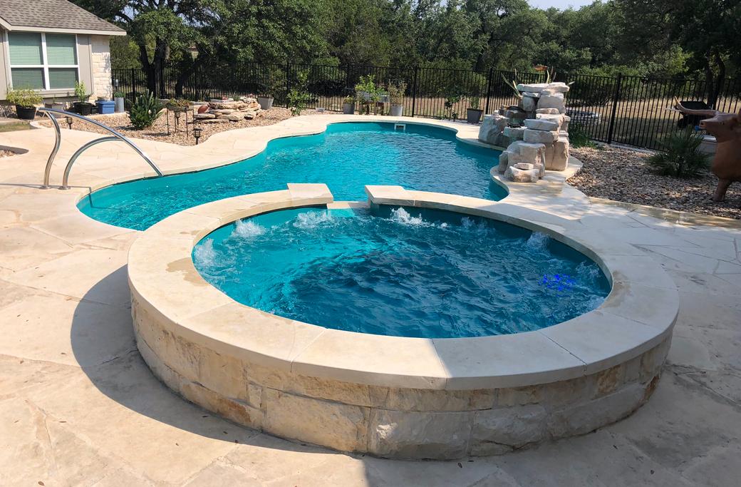 constructie piscina din beton
