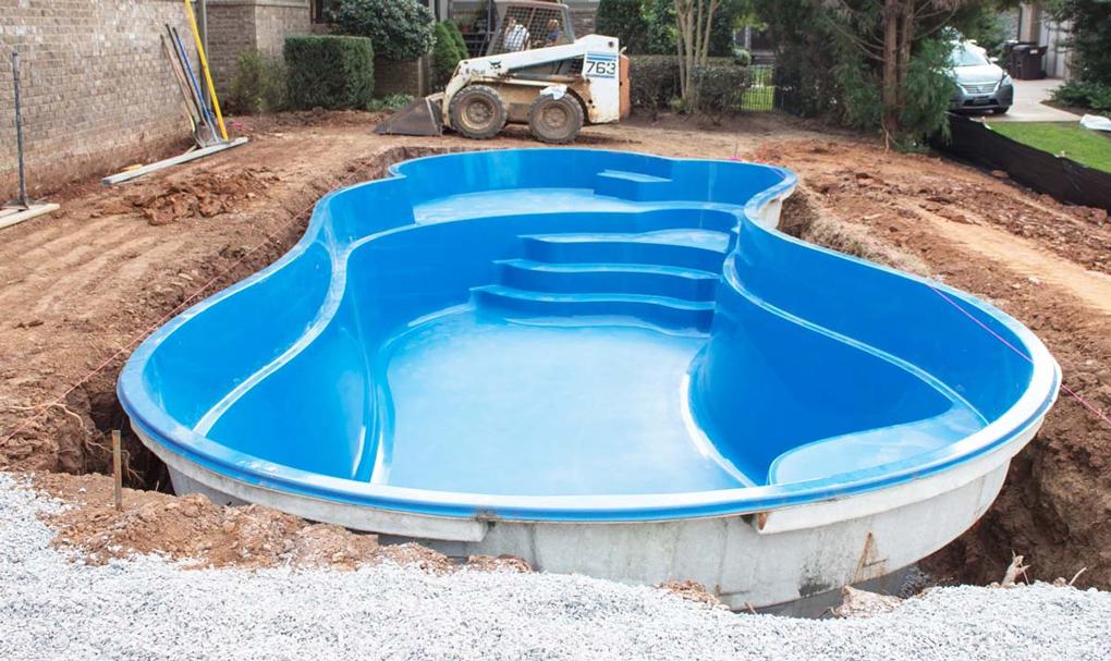 montaj piscina din poliester