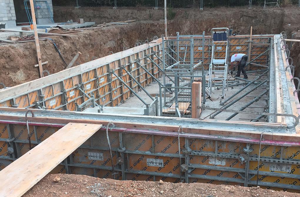 construire piscina beton