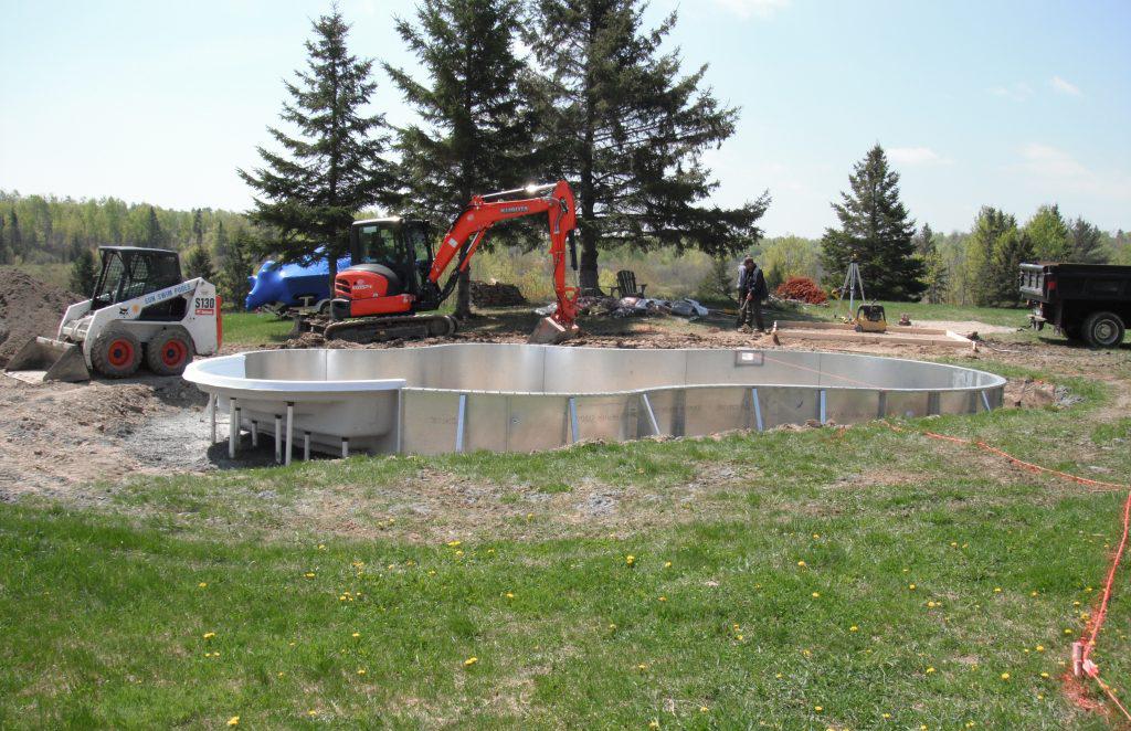montaj piscina prefabricata din metal