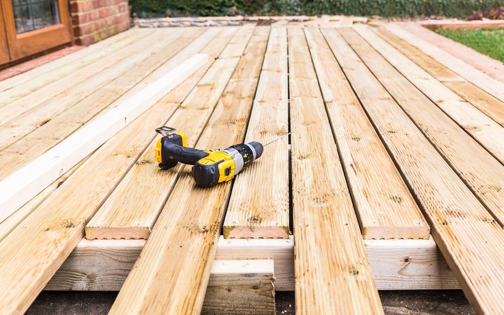 montaj terasa din lemn
