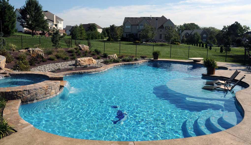 constructie piscina ingropata