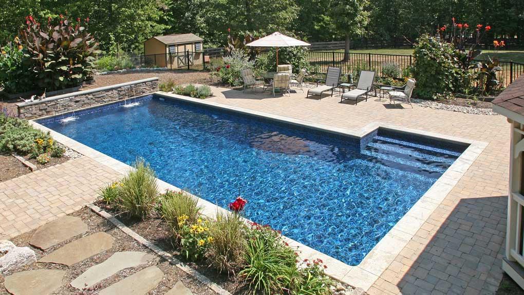 piscina curte