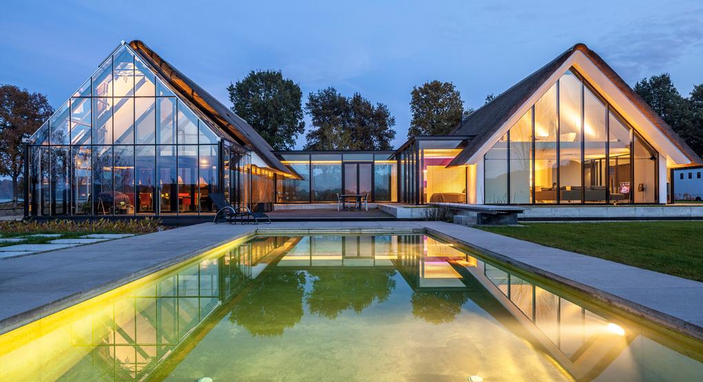 Fatade casa din sticla