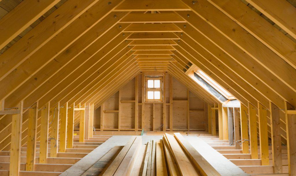 constructie mansarda din lemn